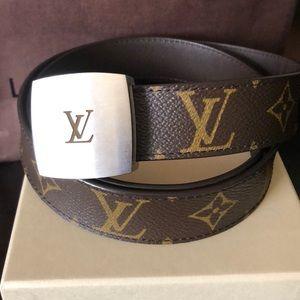 Louis Vuitton Accessories - Authentic Louis Vuitton female belt